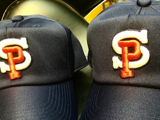刺繍入り帽子